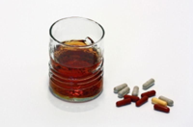 Riasztó adatok: isznak és gyógyszereznek a tinik