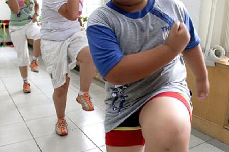 A kövér gyerek erei olyanok, mint egy öreg emberé