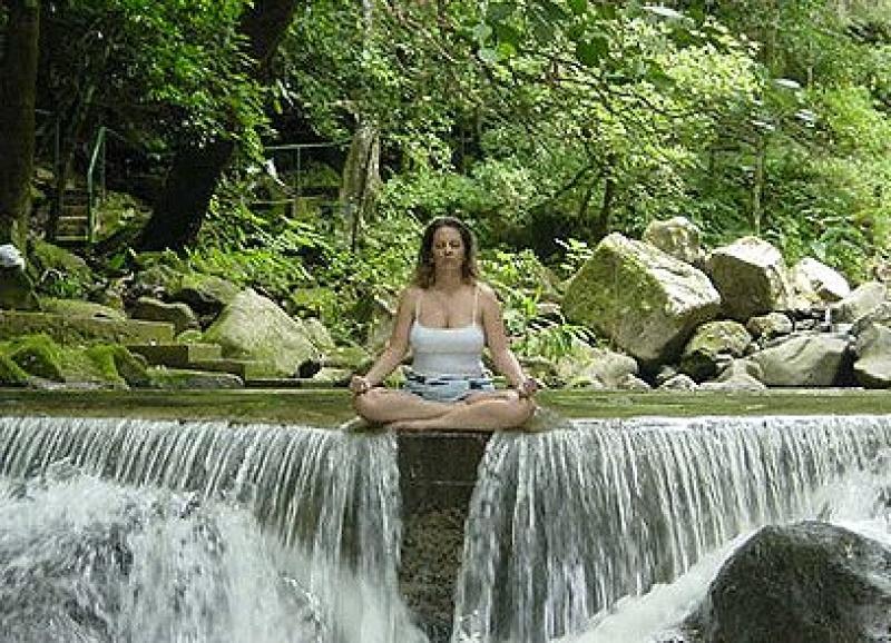 Fiatalon tart minket a meditáció