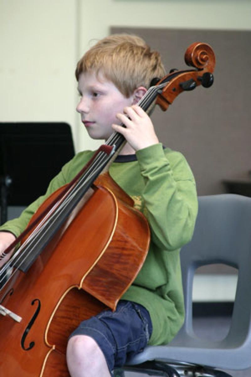 Hegedű? Zongora? -zenéről két szemszögből