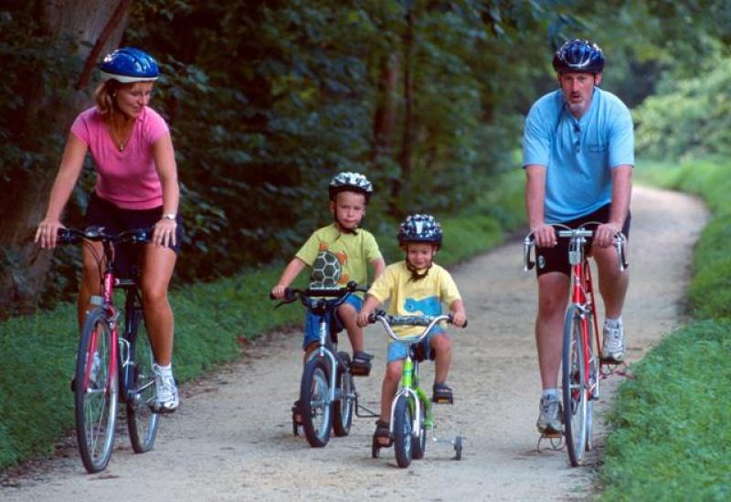 Biciklire fel, vár a vidék!