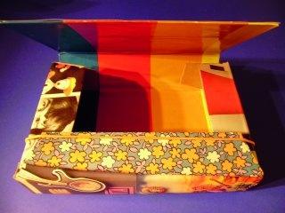 Füzettartó mosószeres dobozból