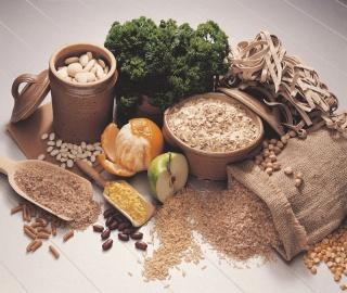 A tartós fogyás titka: barna kenyér, barna rizs meg a zabkása