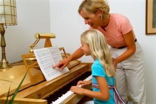 A gyerek okosabb lesz, ha hangszeren játszik