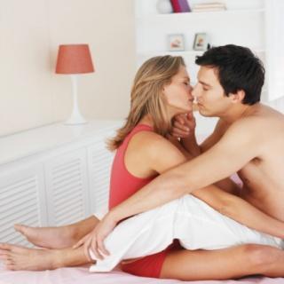 A fiatalok egyre korábban veszítik el a szüzességüket
