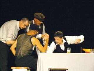 A hajléktalanok színpadán