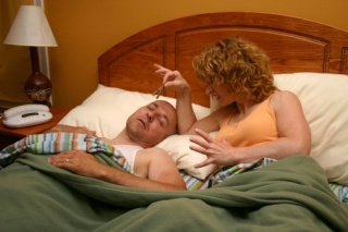 Járkálás, sikoltozás, evés és szex alvás közben