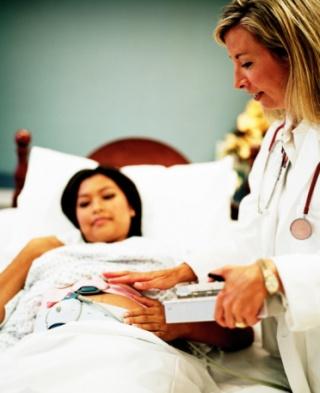 Mennyit kell várni a következő terhességig vetélés után?