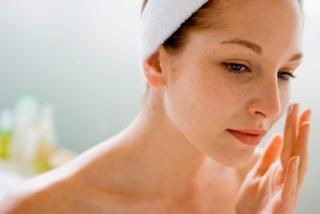 Kevesebb arckrém, egészségesebb bőr