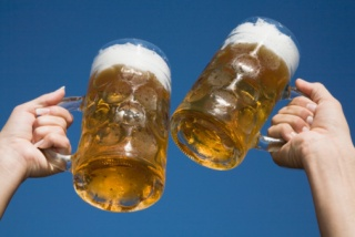 A pohár formájától is függ, milyen ütemben isszuk az alkoholt