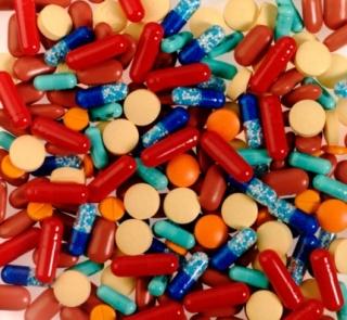 A gyógyhatásúnak hirdetett termékek lehetséges veszélyeiről