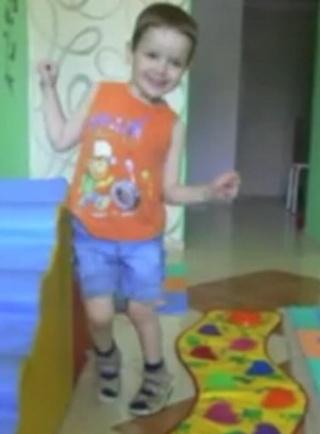 Tolószék helyett boldog gyermekkor