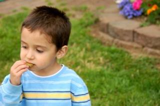 A félrenyelés megelőzése gyermekeknél