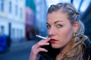 Napirendre kerülhet a dohányzás teljes közterületi tiltása