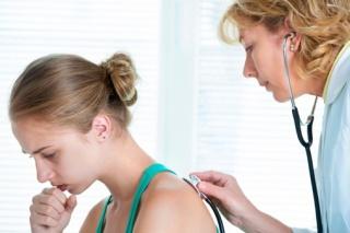 A torokfájást gyomorpanaszok is okozhatják