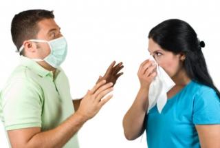 """A """"csókbetegség"""" az influenzához hasonló tüneteket is okozhat"""