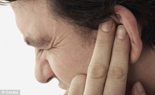 A fülzúgás okai és kezelése