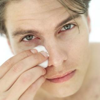 10 egyszerű gyógymód duzzadt szemekre