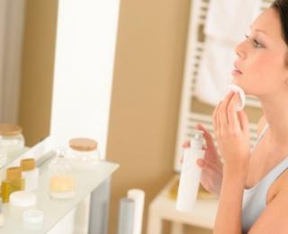 A kozmetikumok által okozott bőrallergiák tünetei