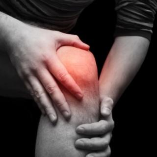 A térdfájdalom aktív fájdalomcsillapítással csökkenthető
