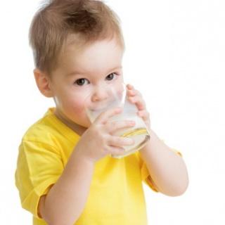 Hogyan segítsük az egészséges táplálkozást gyermekeknél?