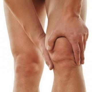 Figyelmeztető tünetek csípő- vagy térdízületi kopás esetén
