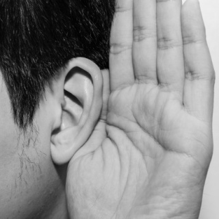 A halláscsökkenés megelőzését fiatalon kell elkezdeni