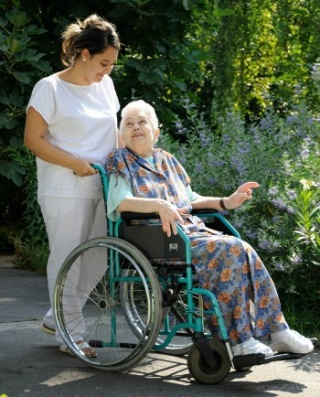 Hospice: megoldás az idősek ápolásra