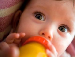 Veszélyes a csecsemőknek a túl sok fehérje?