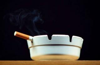 Sokkoló adatok jöttek ki a dohányzó anyákról