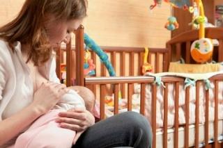 Életmentő lehet az anyatejes szoptatás