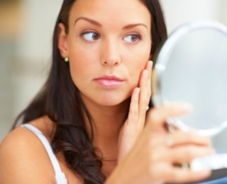 Így védjük bőrünk a káros napsugarak ellen