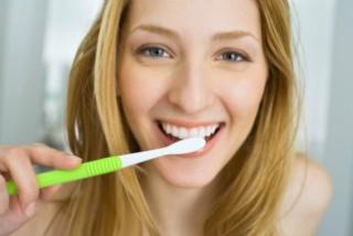 A fogszuvasodás első jelei
