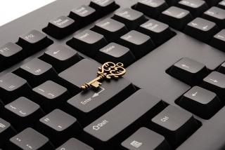 Online Anyaszemmel