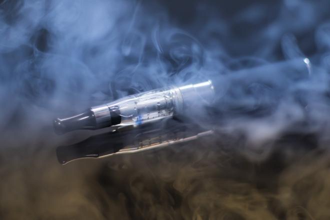 A napi e-cigarettázás majdnem duplájára növeli a szívroham kockázatát