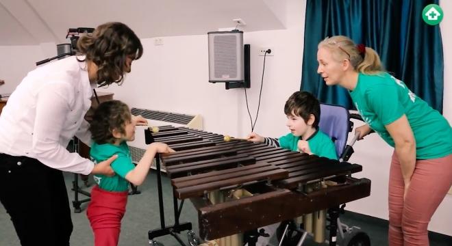 Különleges koncert egy különleges iskolában