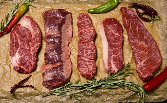 A vörös és a fehér hús fogyasztása egyaránt ártalmas a koleszterinszintre
