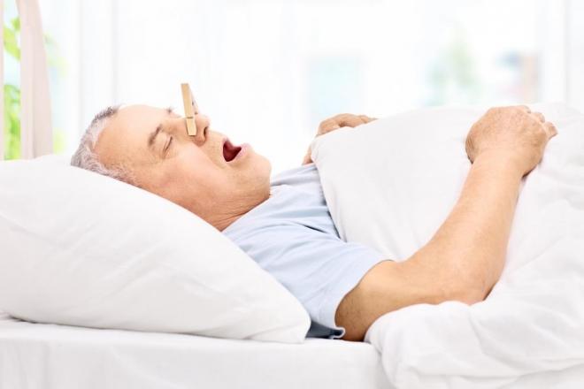 Miért horkolunk időskorban?