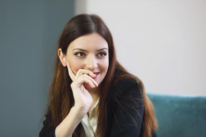 Címlapon: Gera Marina Emmy-díjas színésznő