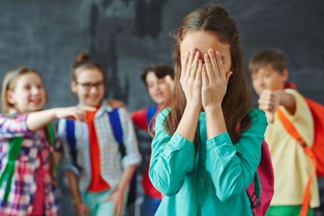 10 dolog, amit meg kell tenned, ha csúfolják a gyereked