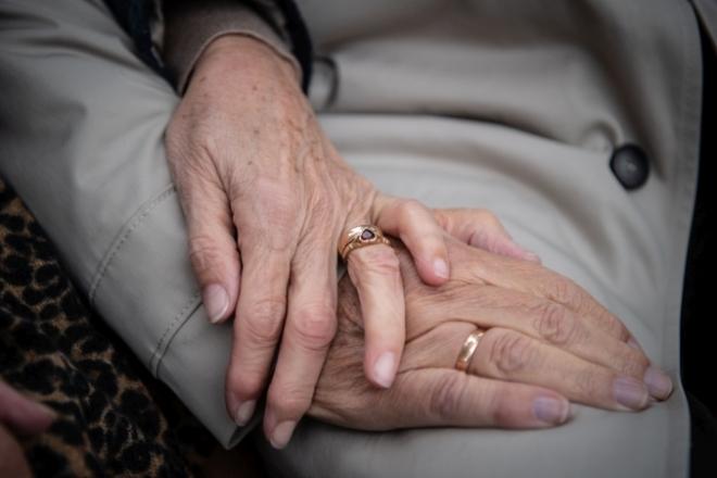 Felhívás az idősekhez és családtagjaikhoz!