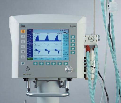 Egészségügyi felszerelések gyártásába kezdenek az autógyárak