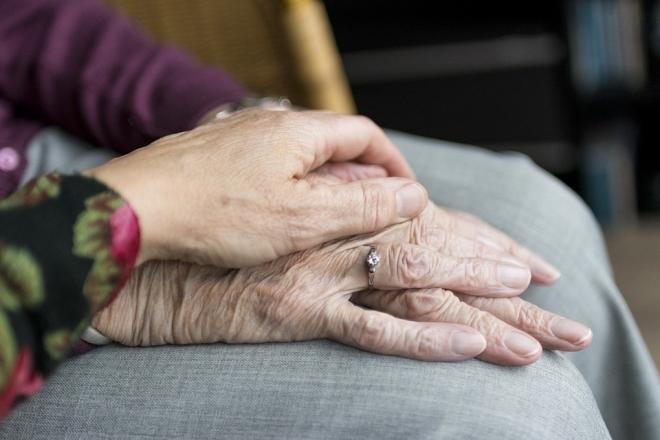 A járvány miatt az idősek számára bezárult a világ