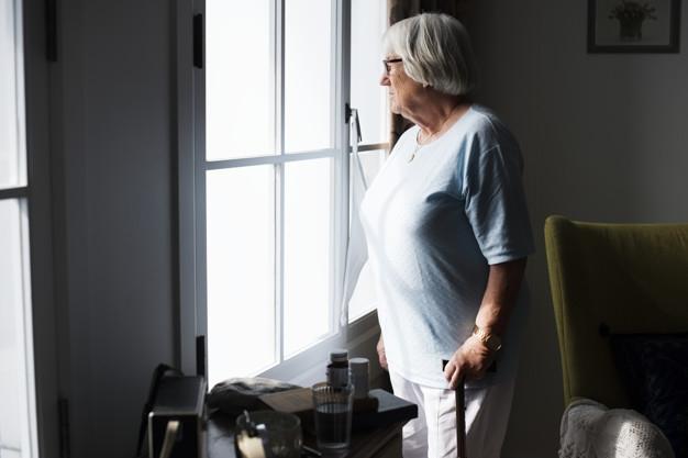 Újabb intézkedésekkel védik az idősotthonokat