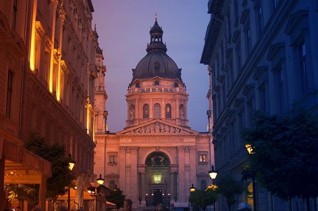 Budapest gócponttá válhat, ha nem tartják be a korlátozásokat