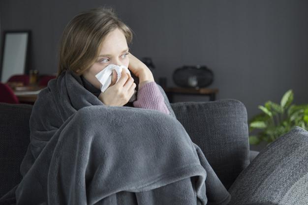 Hogyan különböztessük meg az allergiás tüneteket a vírusos megbetegedésektől?