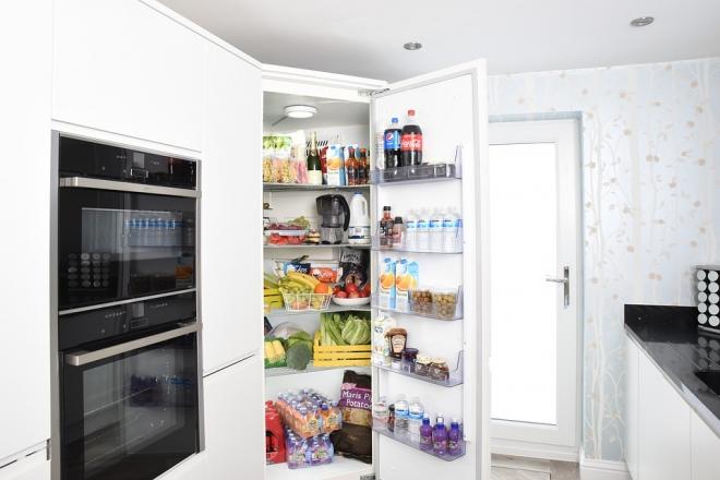 Mi hova kerüljön a hűtőben?