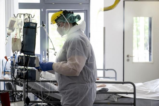 Fokozatosan csökken a koronavírusos betegek száma