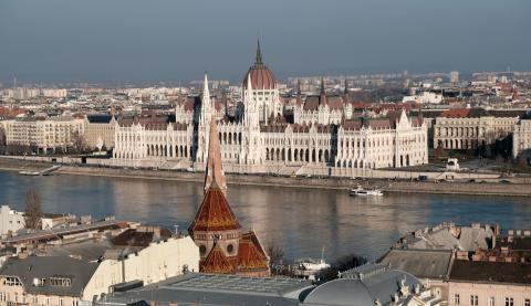 Hétfőtől új szabályok lépnek életbe Budapesten