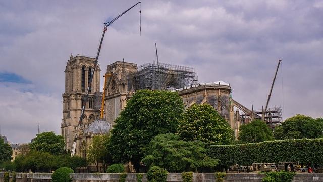 Szeptemberre elbonthatják a Notre-Dame leégett állványzatát